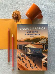 Foto libro Una volta è abbastanza di Giulia Ciarapica. Foto di Stefania Piumarta